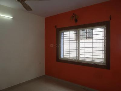 Gallery Cover Image of 1200 Sq.ft 2 BHK Apartment for rent in Basaveshwara Nagar for 23000