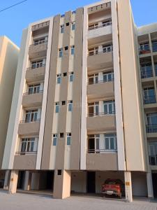Gallery Cover Image of 900 Sq.ft 2 BHK Independent Floor for buy in UCHDPL Wave Executive Floors, Wave City for 2550000