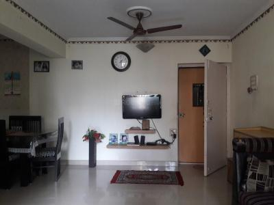 Gallery Cover Image of 1050 Sq.ft 2 BHK Apartment for rent in Kandivali East for 37000