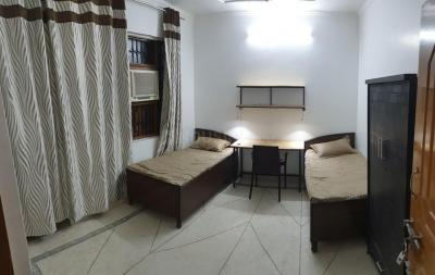 Bedroom Image of Sai Cottage PG in Shakarpur Khas