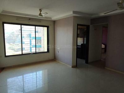 Gallery Cover Image of 610 Sq.ft 1 BHK Apartment for rent in Kandivali East for 18000