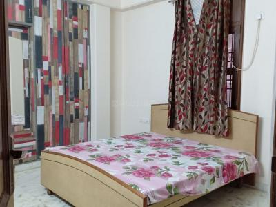 Gallery Cover Image of 1250 Sq.ft 3 BHK Apartment for rent in RWA Khirki Extension Block R, Malviya Nagar for 35500