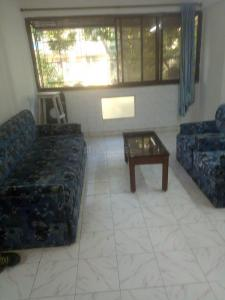 Gallery Cover Image of 650 Sq.ft 1 BHK Apartment for rent in Andheri West for 38000
