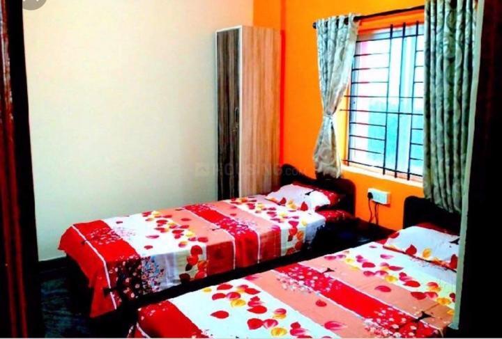 आर.के. हेगड़े नगर में एसएसवी जैंट्स पीजी के बेडरूम की तस्वीर