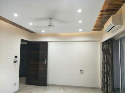 Gallery Cover Image of 700 Sq.ft 2 BHK Apartment for rent in Bandra West for 60000