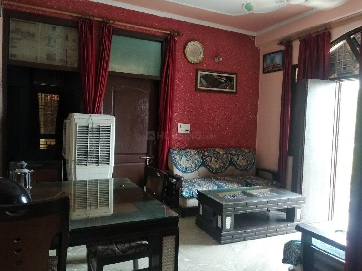Living Room Image of 1200 Sq.ft 3 BHK Independent Floor for buy in Pratap Vihar for 6000000