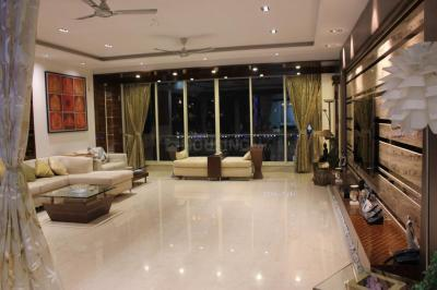 Gallery Cover Image of 2520 Sq.ft 4 BHK Apartment for rent in Khar West for 350000