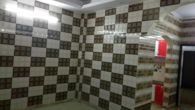 Gallery Cover Image of 750 Sq.ft 2 BHK Independent Floor for rent in DLF Ankur Vihar for 6500
