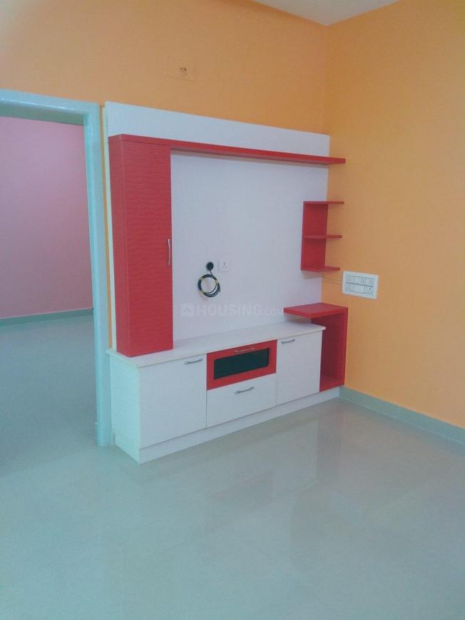 Living Room Image of 860 Sq.ft 2 BHK Apartment for buy in Perungudi for 7500000