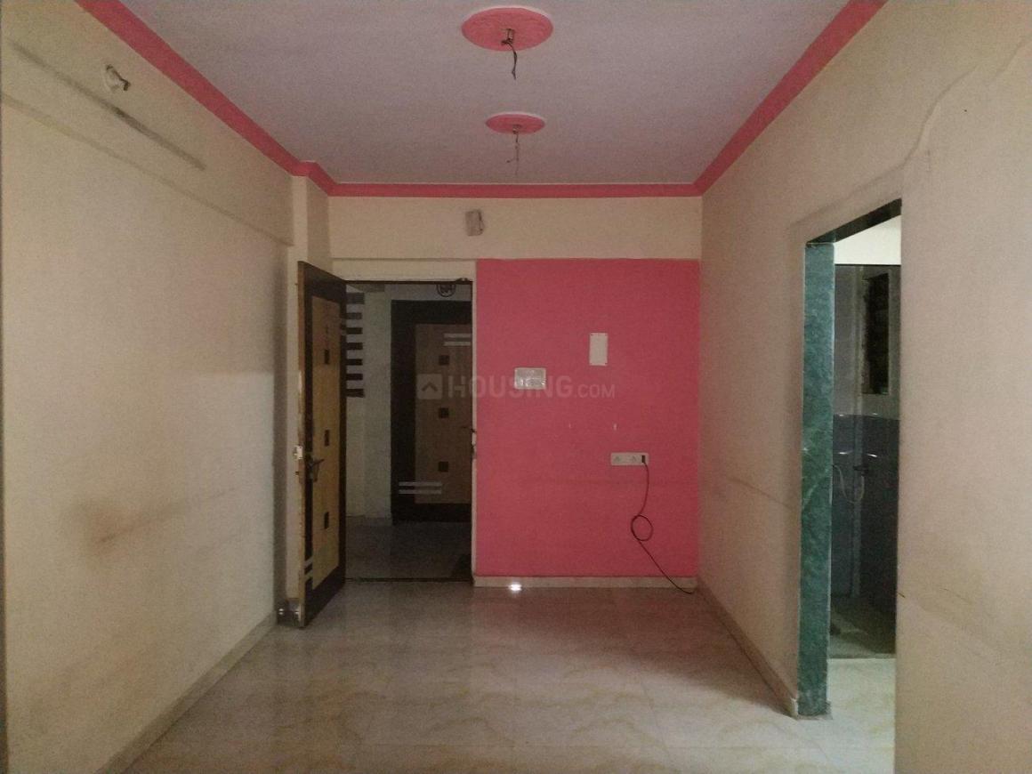 Living Room Image of 608 Sq.ft 1 BHK Apartment for rent in Kopar Khairane for 15000