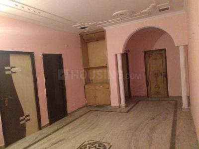 Gallery Cover Image of 1350 Sq.ft 2 BHK Independent House for rent in Shiv Bhavan, Sector 62A for 11000
