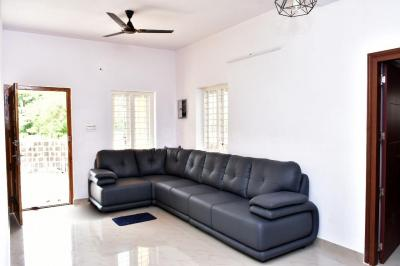 Gallery Cover Image of 1250 Sq.ft 3 BHK Independent House for buy in Alathur for 3500000