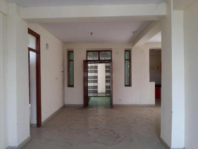 Gallery Cover Image of 1680 Sq.ft 3 BHK Apartment for rent in Sector 29 Rohini for 14000