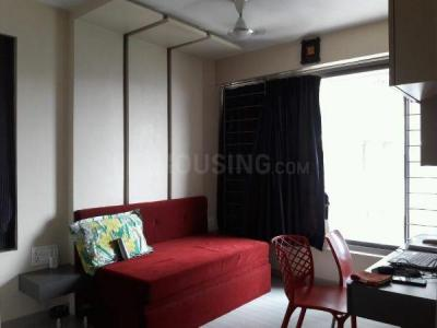 Gallery Cover Image of 750 Sq.ft 2 BHK Apartment for rent in Deshmukh Hill View Tower, Vikhroli West for 32000