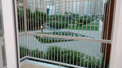Gallery Cover Image of 1115 Sq.ft 2 BHK Apartment for buy in Ajnara Daffodil, Sector 137 for 7000000