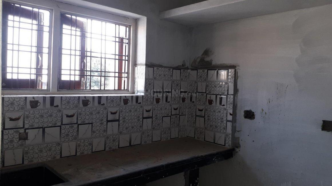 Kitchen Image of 662 Sq.ft 1 BHK Apartment for buy in Uppal for 2800000