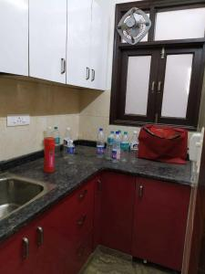 Kitchen Image of Krishna PG in Patel Nagar