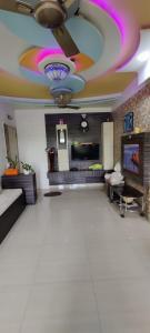 Gallery Cover Image of 1050 Sq.ft 2 BHK Apartment for buy in Dosti Maitri Vatika , Kalwa for 9000000