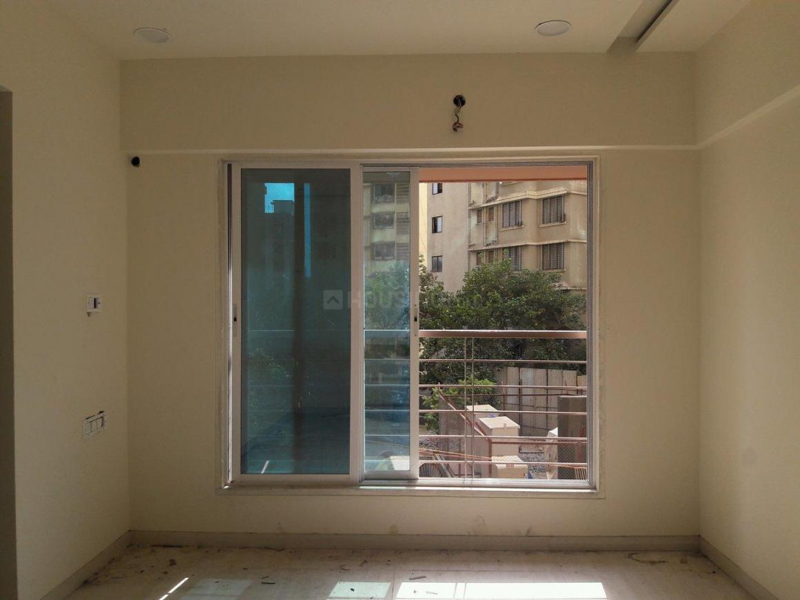 Living Room Image of 650 Sq.ft 1 BHK Apartment for buy in Dahisar East for 9400000