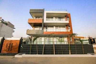 Gallery Cover Image of 300 Sq.ft 1 BHK Apartment for rent in Sector 40 for 28000