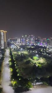 Gallery Cover Image of 1495 Sq.ft 3 BHK Apartment for buy in Amrapali Platinum, Sector 119 for 6600000