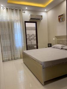 Gallery Cover Image of 650 Sq.ft 2 BHK Apartment for buy in Sector 28 Dwarka for 3689999
