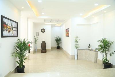 Gallery Cover Image of 2050 Sq.ft 3 BHK Apartment for rent in Panchsheel Pratishtha, Sector 75 for 27000