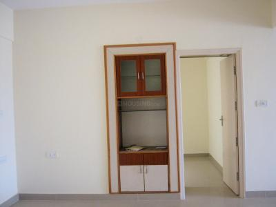 Gallery Cover Image of 1200 Sq.ft 2 BHK Apartment for rent in V2 Poorvi Enclave, Chikkalasandra for 18000
