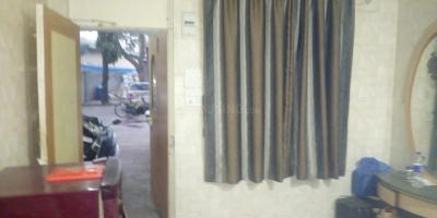 Gallery Cover Image of 300 Sq.ft 1 RK Apartment for rent in Murali Govind Housing, Khar West for 25000