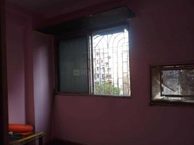 Gallery Cover Image of 340 Sq.ft 1 RK Apartment for rent in Kandivali West for 10500