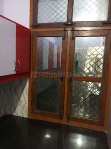 Gallery Cover Image of 1000 Sq.ft 3 BHK Independent Floor for rent in Sector 105 for 10000