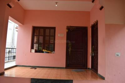 Gallery Cover Image of 800 Sq.ft 2 BHK Independent Floor for rent in Saravanampatty for 10000