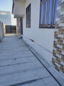 Gallery Cover Image of 2500 Sq.ft 4 BHK Independent House for rent in Gandhi Nagar for 15000