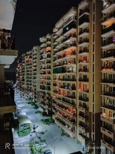 Building Image of Taksila Heights in Sector 37C