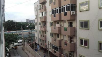 नागवारा में अर्थ अकॉमोडेशन पीजी में बिल्डिंग की तस्वीर