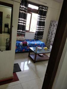 Bedroom Image of PG For Boys In Juhu in Juhu