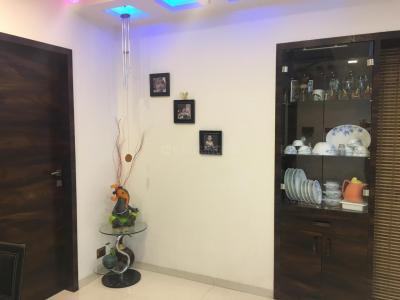 Gallery Cover Image of 960 Sq.ft 2 BHK Apartment for rent in Parth Enclave E Building, Karve Nagar for 14000