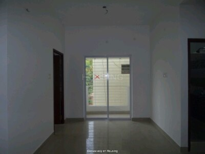Gallery Cover Image of 940 Sq.ft 2 BHK Apartment for buy in Pallikaranai for 4750000