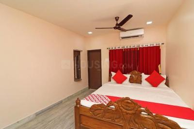 Gallery Cover Image of 1500 Sq.ft 3 BHK Apartment for rent in Jadavpur for 46000