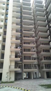 Gallery Cover Image of 900 Sq.ft 2 BHK Apartment for buy in Sector 82 for 2380000