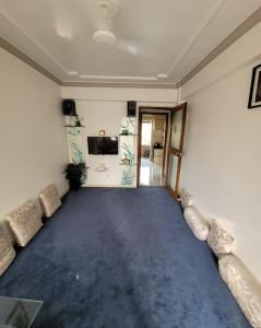 Gallery Cover Image of 778 Sq.ft 2 BHK Apartment for buy in Rajkumar Corner CHS, Andheri West for 25000000