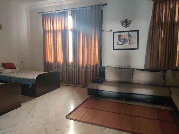 सेक्टर 37 में जे एन हाउस के बेडरूम की तस्वीर