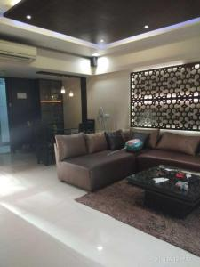 Gallery Cover Image of 1200 Sq.ft 3 BHK Apartment for rent in Raja Kishans Abode, Bandra West for 135000
