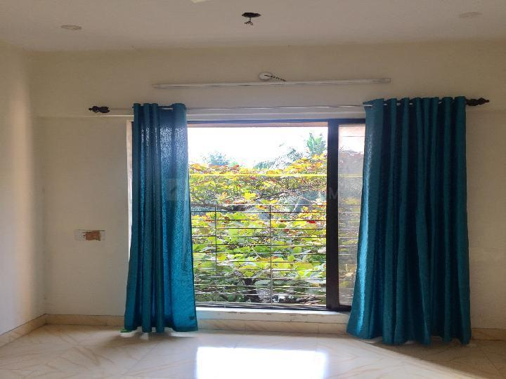 Living Room Image of 630 Sq.ft 1 BHK Apartment for rent in Malad West for 24000