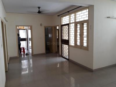 Gallery Cover Image of 1900 Sq.ft 3 BHK Apartment for rent in Cosmos CGHS, Sector 10 Dwarka for 33000