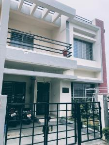 Gallery Cover Image of 2200 Sq.ft 3 BHK Villa for rent in AG8 Mansarovar, Ratanpur for 7000