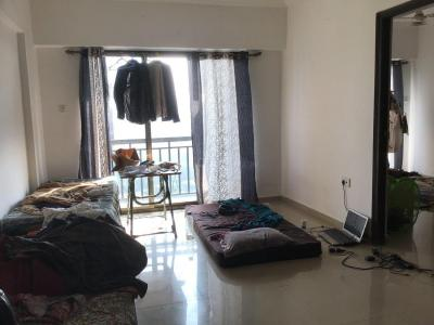 Gallery Cover Image of 750 Sq.ft 2 BHK Apartment for rent in Malad West for 35000
