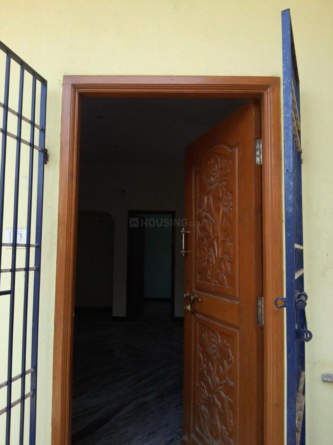Main Entrance Image of 848 Sq.ft 2 BHK Apartment for buy in Korattur for 4250000