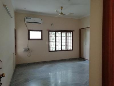 Gallery Cover Image of 2000 Sq.ft 3 BHK Independent Floor for rent in Banjara Hills for 45000