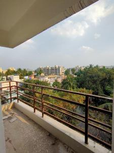 Gallery Cover Image of 960 Sq.ft 2 BHK Apartment for buy in Rajarhat for 3400000